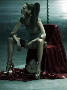 FOTO mistress severa e autoritaria cercasi