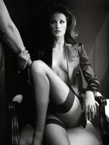 FOTO padrona mistress severa e autoritaria ti aspetta