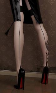 FOTO  mistress padrone del passato calze cucitura dietro scarpe nere suola rossa