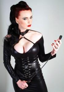 FOTO mistress ti aspetta