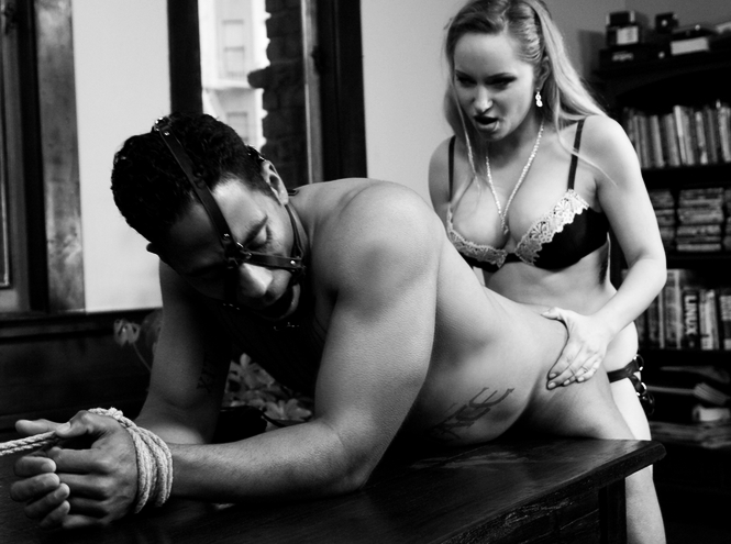 strap on inculato dalla mistress