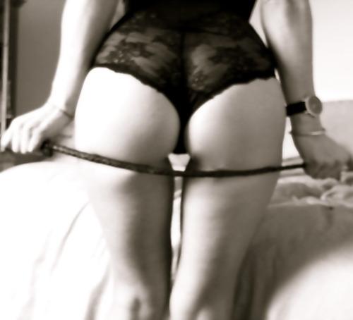 mistress col frustino