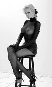 FOTO la mistress bionda dei mie desideri