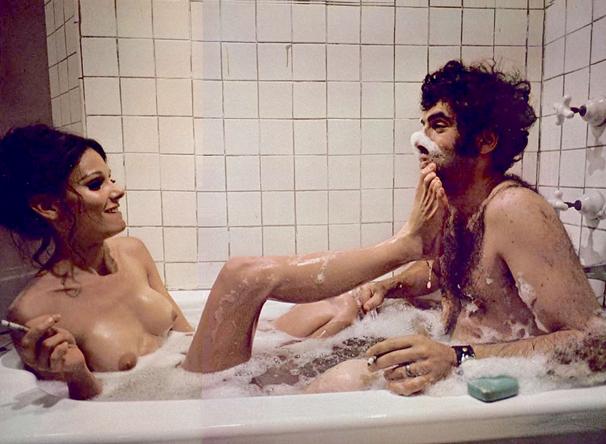 foot worship nella vasca da bagno lei mi mette i piedi in faccia e impazzisco