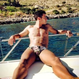 Calciatori al mare il sexy Salvatore Canzonieri