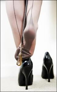 FOTO amo le calze delle donne del passato con la cucitura che corre dietro