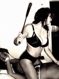 FOTO sculaciata paddle spanking