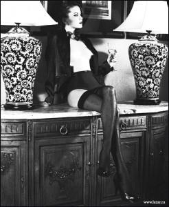 FOTO autoreggenti mistress del passato