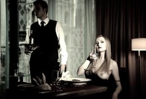 FOTO cameriere personale di una mistress fortunata