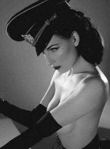 FOTO foto vintage dal passato mistress autoritaria