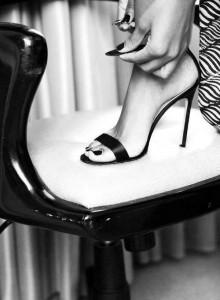 FOTO scarpe femminili passione introllabile sexy